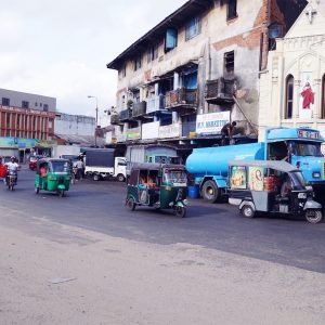 Street with traffic in Colombo